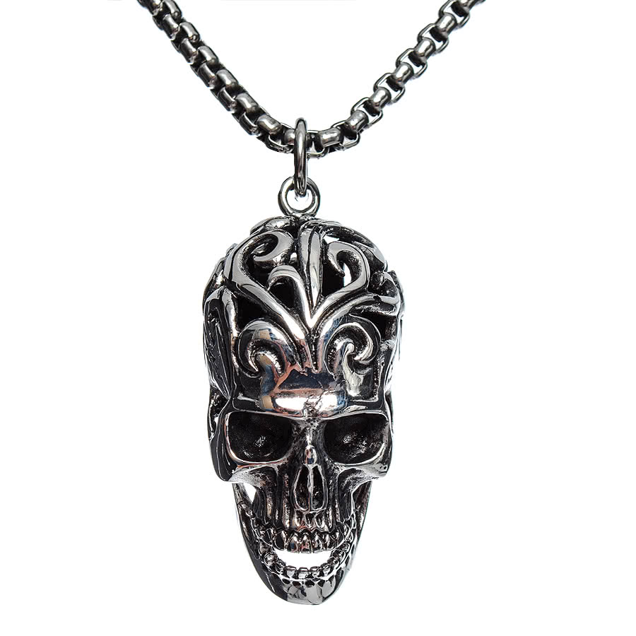 Blue Banana Tribal Skull Pendant Necklace (Silver/Black)