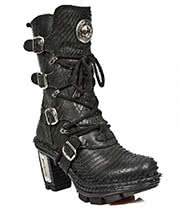 New Rock Boots Style M.NEOTR005-S9 Boots (Textured Black)